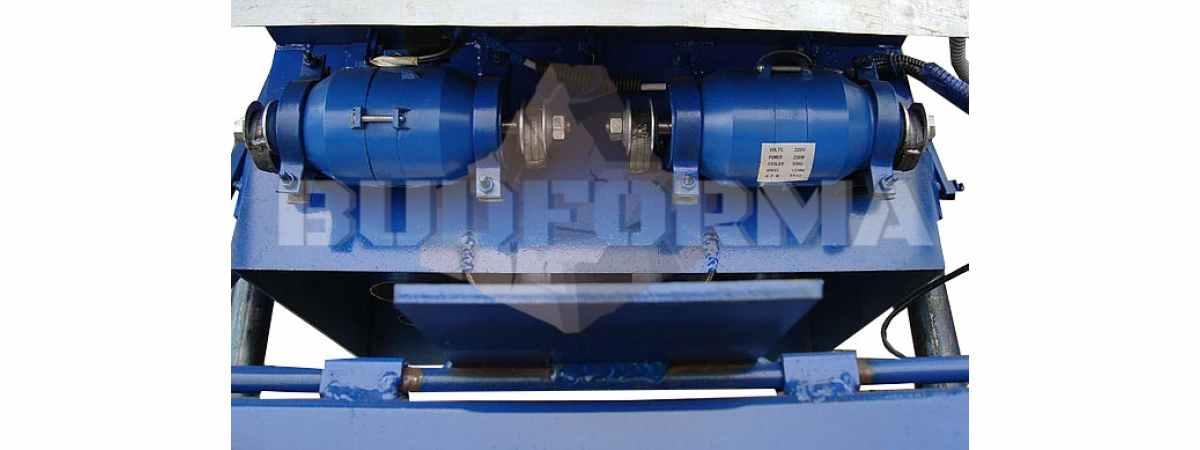 Станок для производства шлакоблоков СШ-4 Габариты 1570х870х1200 мм