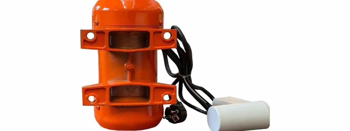 Вибратор площадочный BП-250, 220 в Мощность 0.25 кВт Вес 5.2 кг