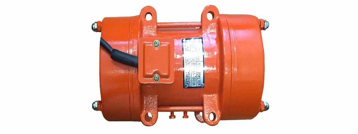 Вибратор площадочный BП-500 Б 380 в Мощность 0.5 кВт Вес 11.2 кг