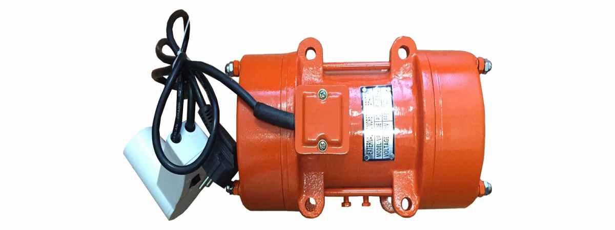 Вибратор площадочный BП-500 Е 220 в Мощность 0.5 кВт Вес 11.2 кг